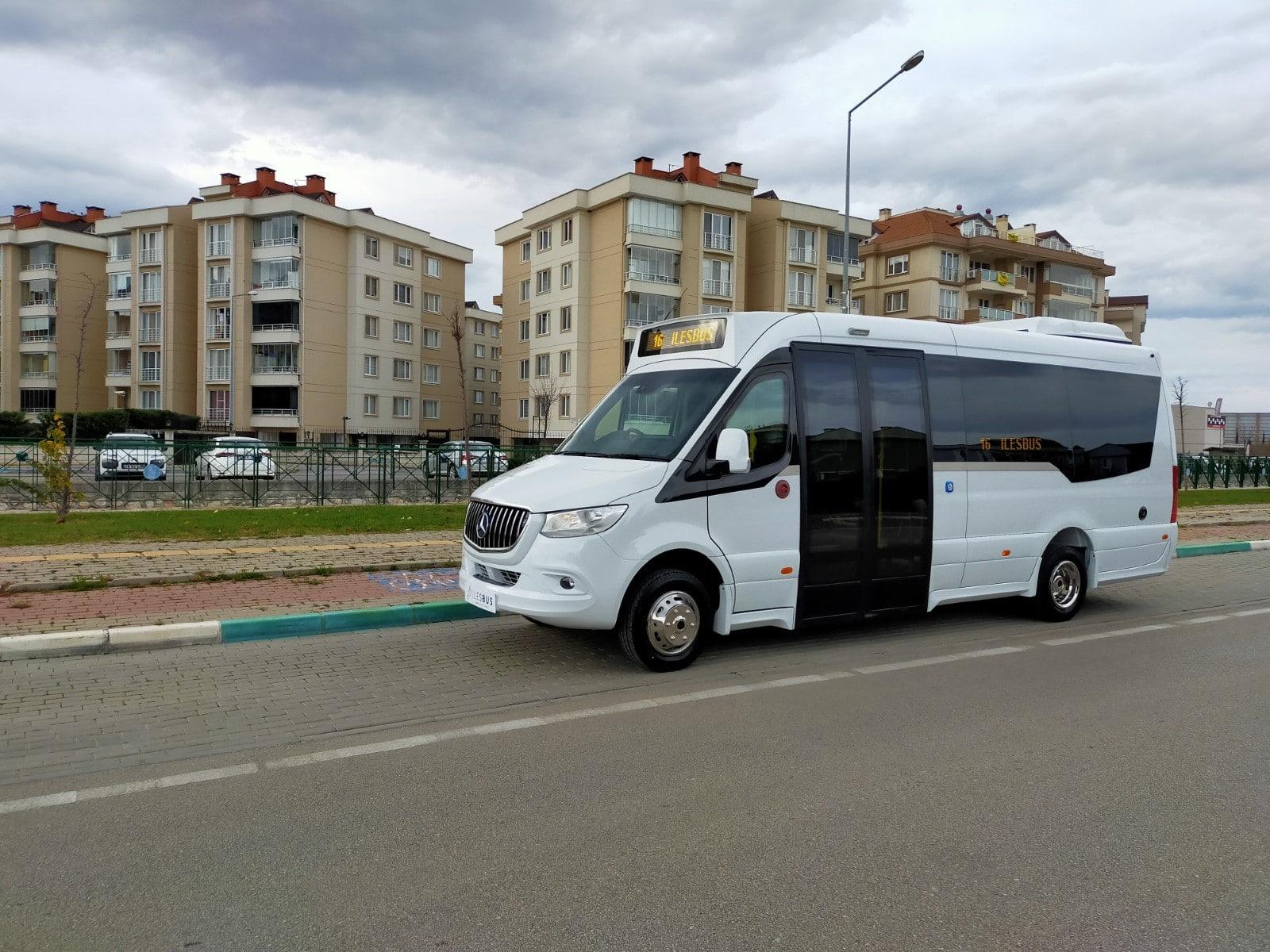 Ilesbus I-City low-floor minibus arrives in the UK